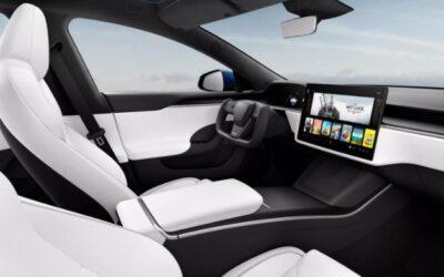 Tesla Model S refresh features radical steering yoke, 520-mile range